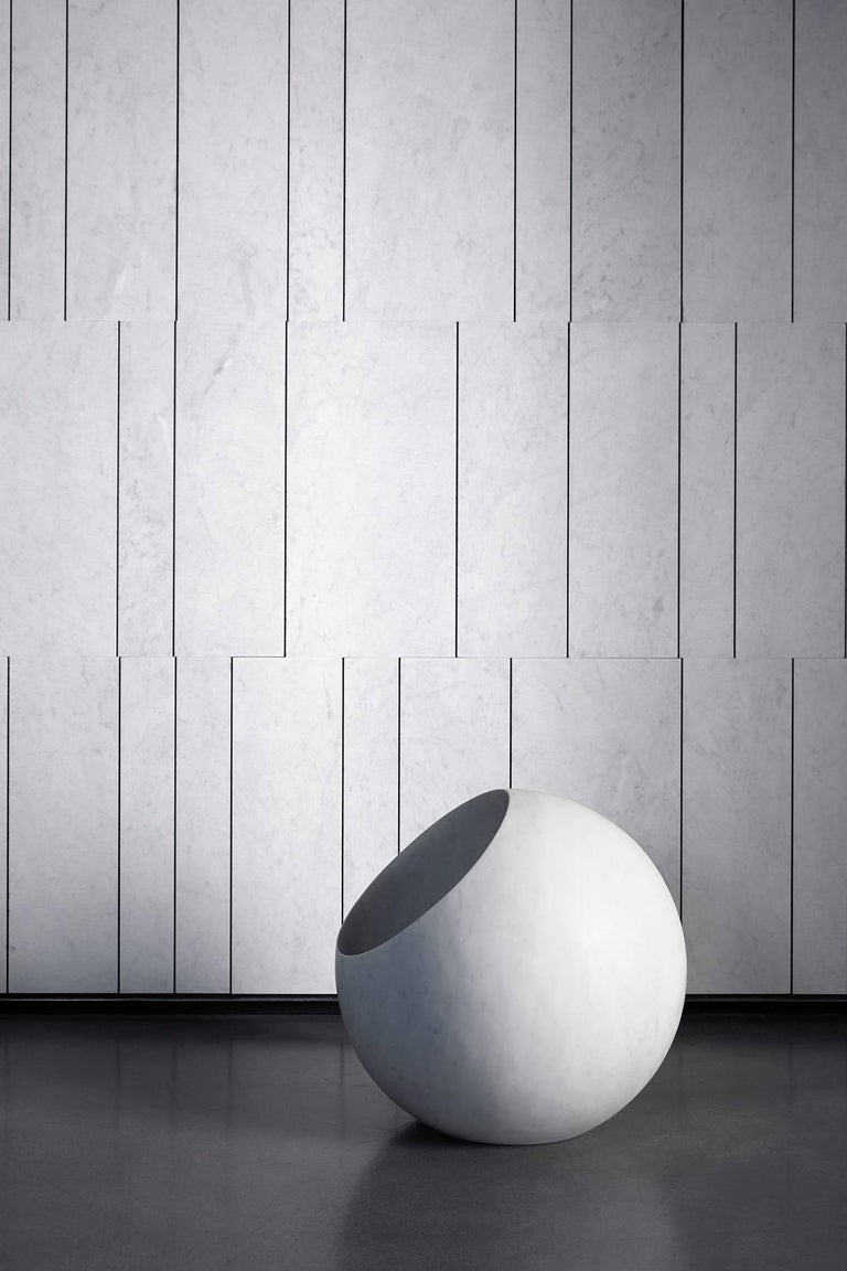 Salvatori Urano Spherical Floor Lamp 50 in Bianco Carrara Marble by Elisa Ossino For Sale 5