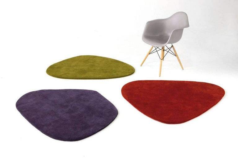 Inspired by Alexander Calder's famous mobiles, these irregular wool rugs are conceived to live together, forming attractive combinations.