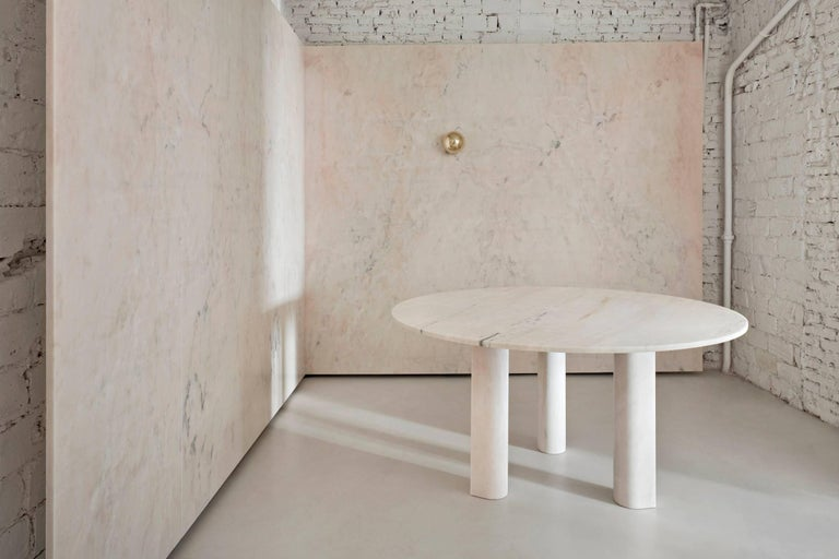 Salvatori Love Me Love Me Not Round Dining Table In