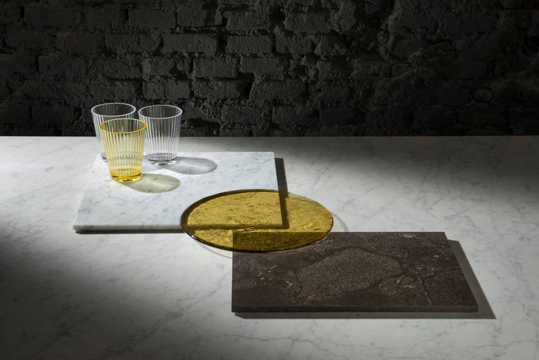 A range of accessories for the home, PLAT-EAU takes its name from the French word meaning tray.