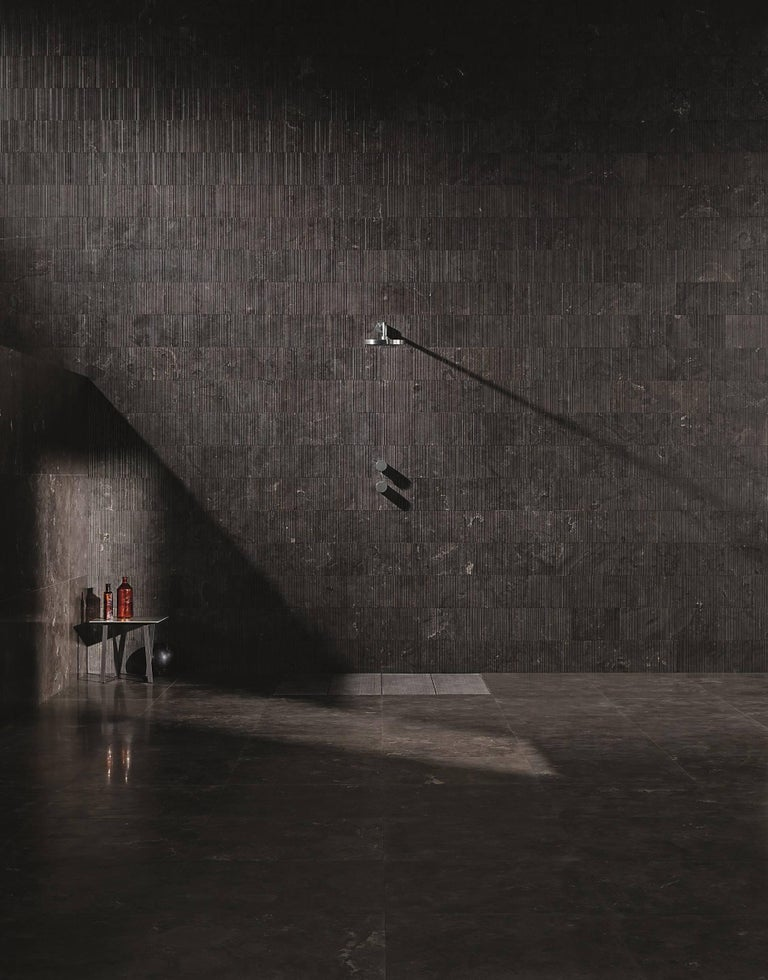 Modern Salvatori Filo Flush 4 / 100 Shower Tray in Bamboo Texture Pietra d'Avola Stone For Sale