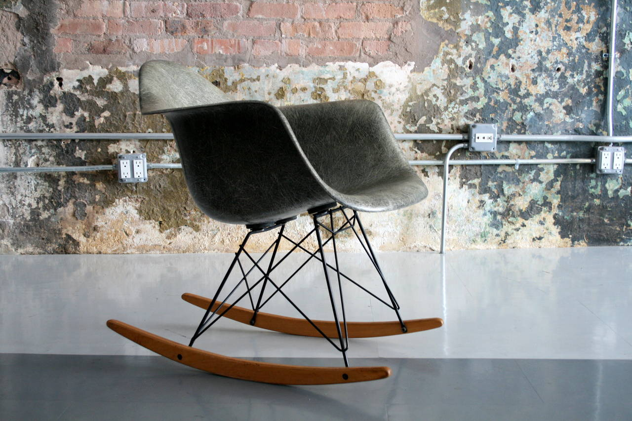 Rar rocking chairs eames style rar rocking arm chair grey - 1950 S Eames Zenith Rar Elepnat Hide Grey Rocker 2