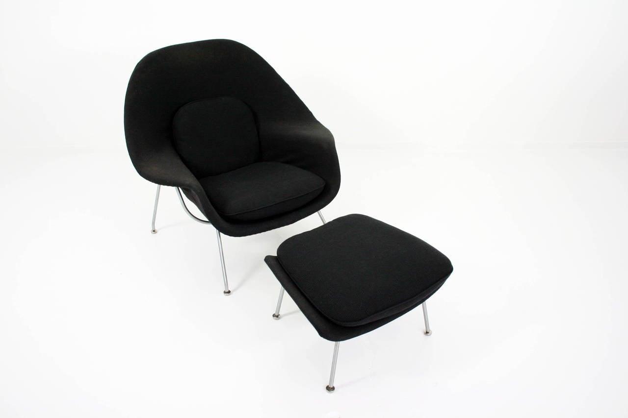 Mid-20th Century Eero Saarinen Womb Chair and Ottoman in Grey Knoll Cato Fabric
