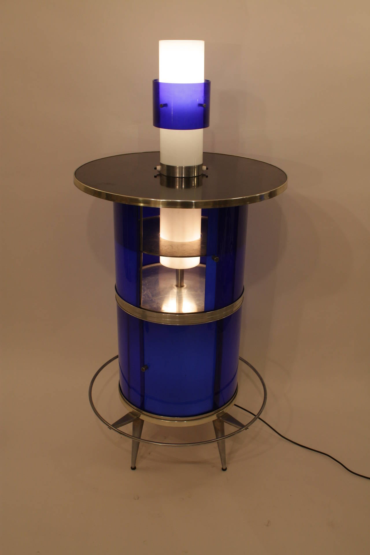 Spanish 1960s Space Age Blue and White Plexiglass Cocktails Bar with Table Lamp 3