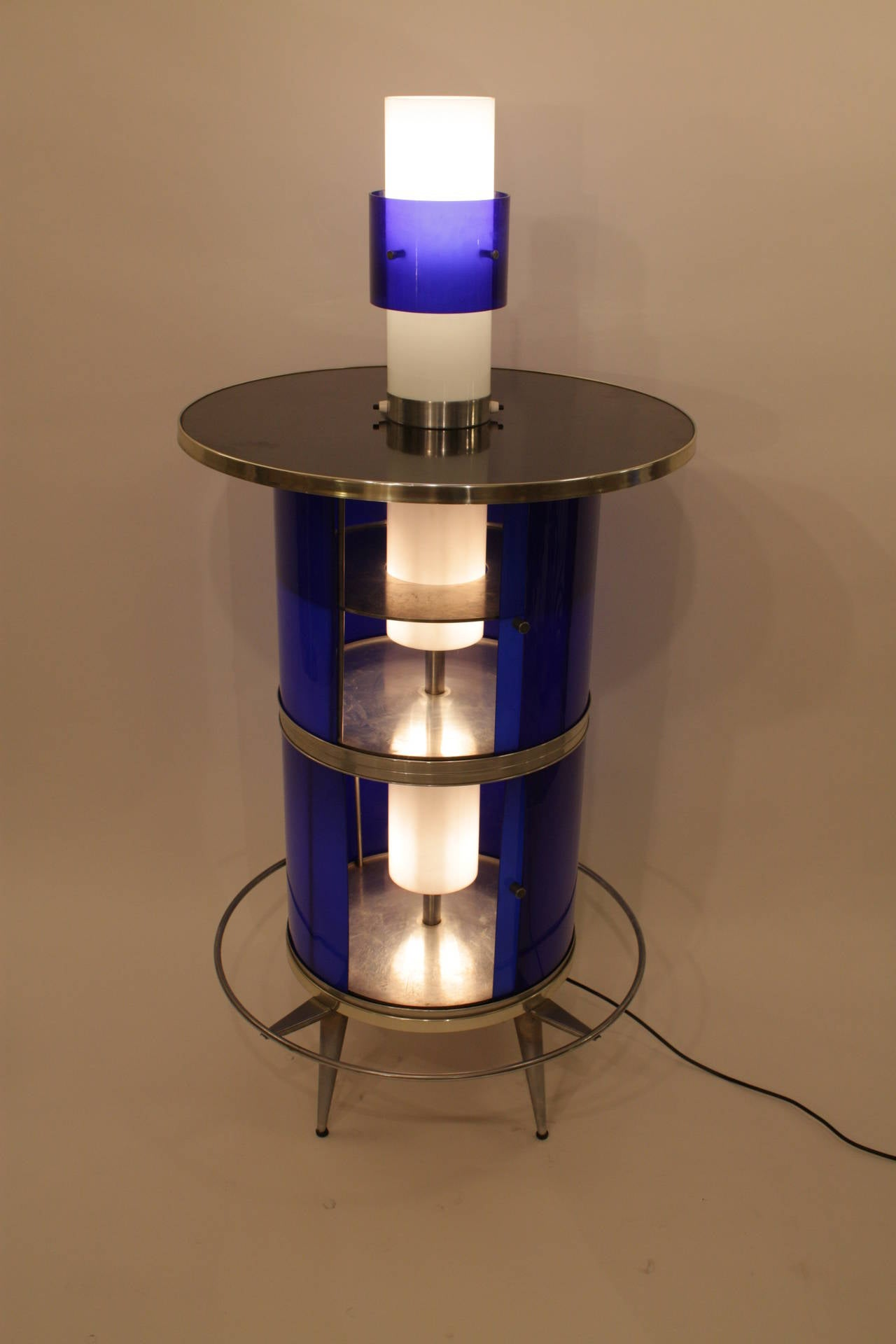Spanish 1960s Space Age Blue and White Plexiglass Cocktails Bar with Table Lamp 4