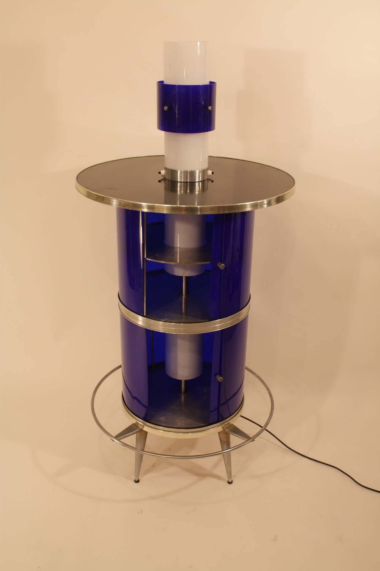 Spanish 1960s Space Age Blue and White Plexiglass Cocktails Bar with Table Lamp 5