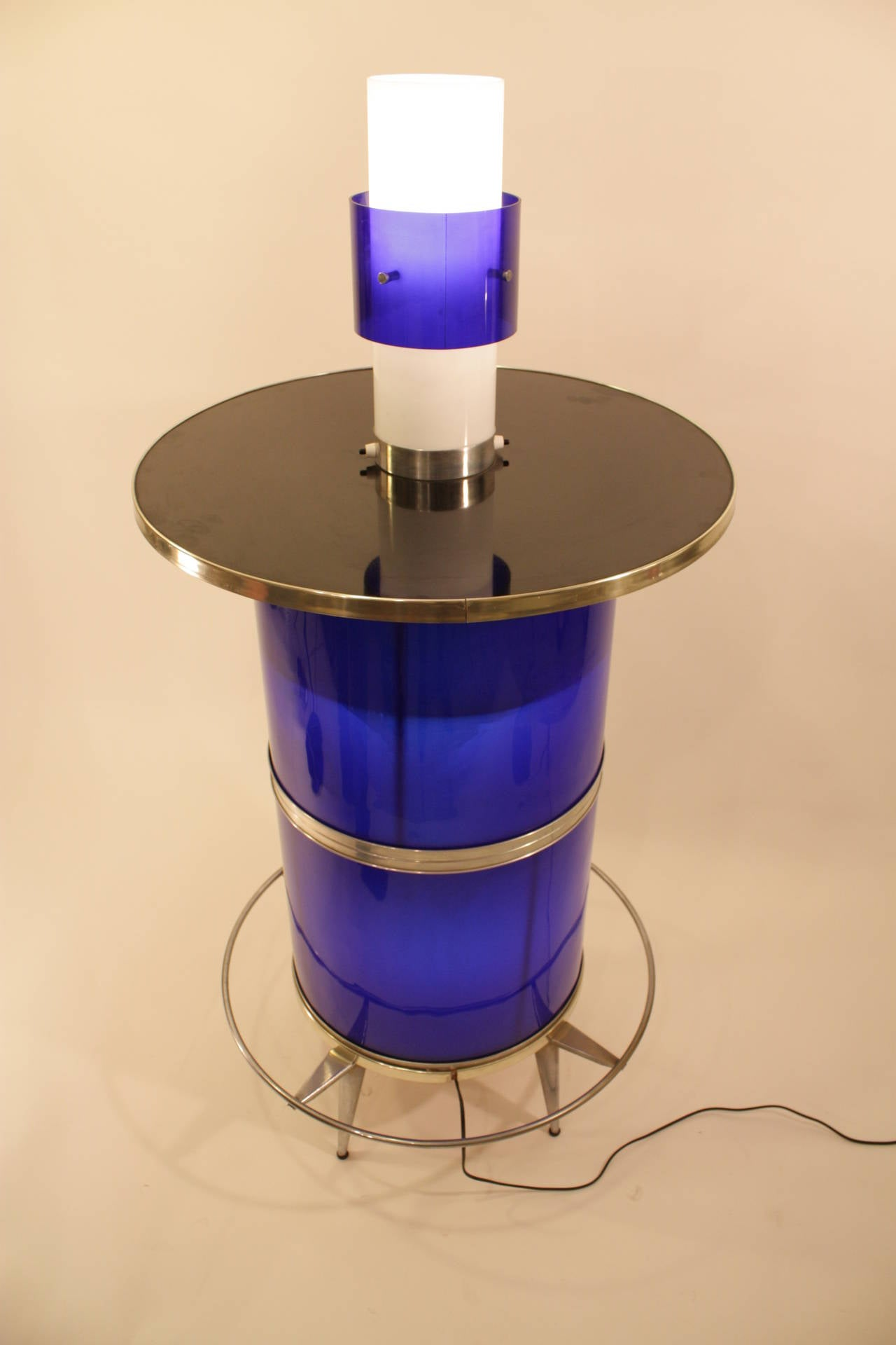 Spanish 1960s Space Age Blue and White Plexiglass Cocktails Bar with Table Lamp 10