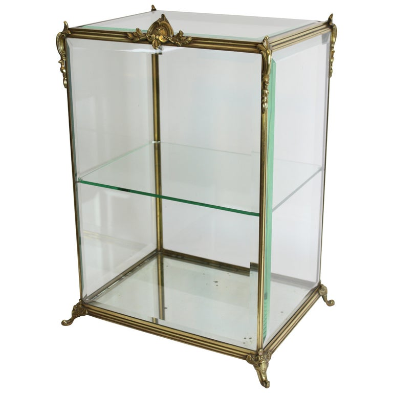 Louis XV Style Bronze and Beveled Glass Jewelry or Cakes Showcase / Vitrine For Sale