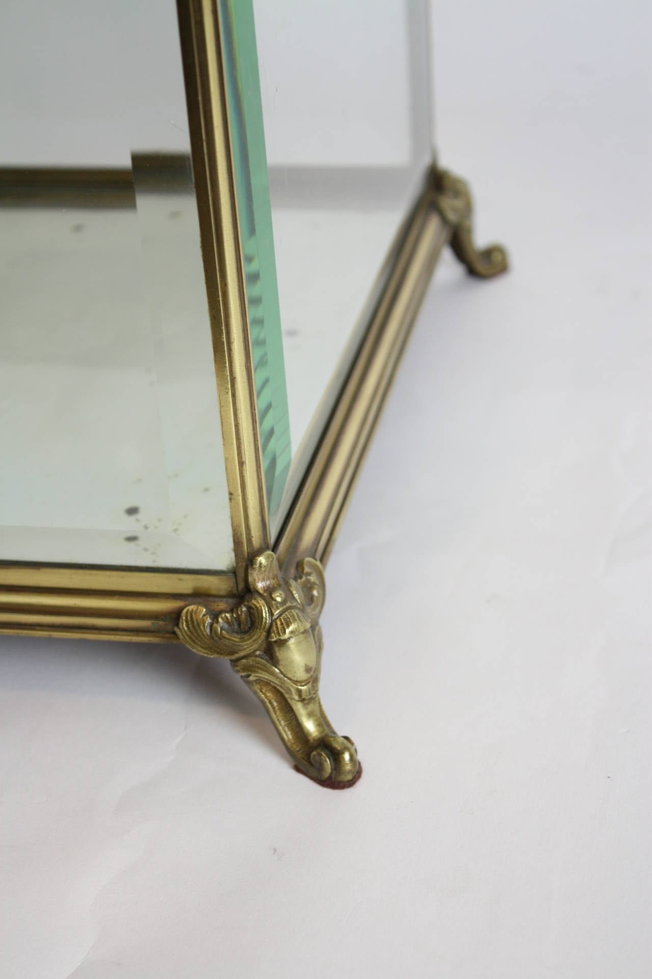 Louis XV Style Bronze and Beveled Glass Jewelry or Cakes Showcase / Vitrine For Sale 1