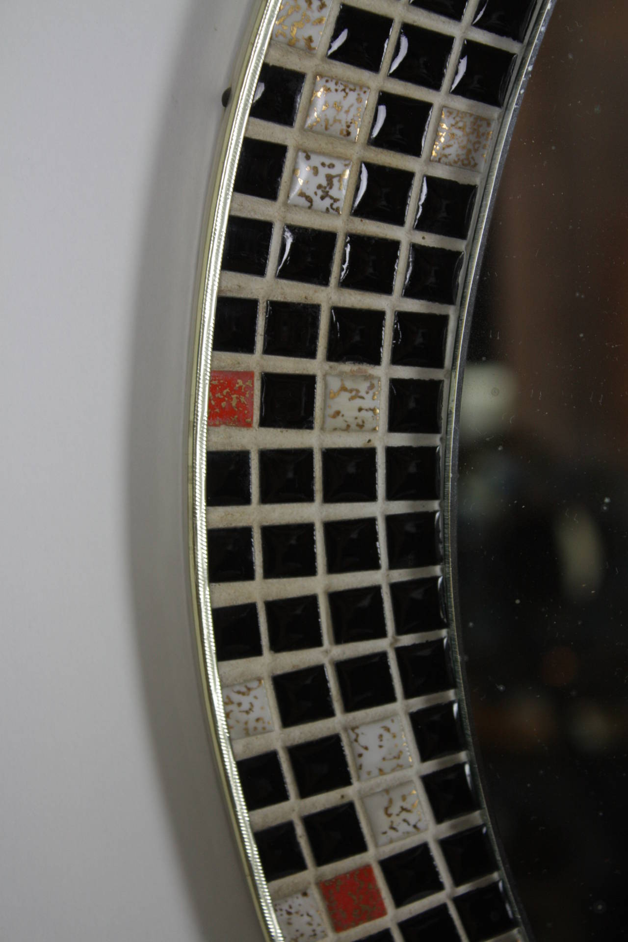 Mid Century Black and White Mosaic Circular Mirror In Excellent Condition For Sale In Barcelona, ES