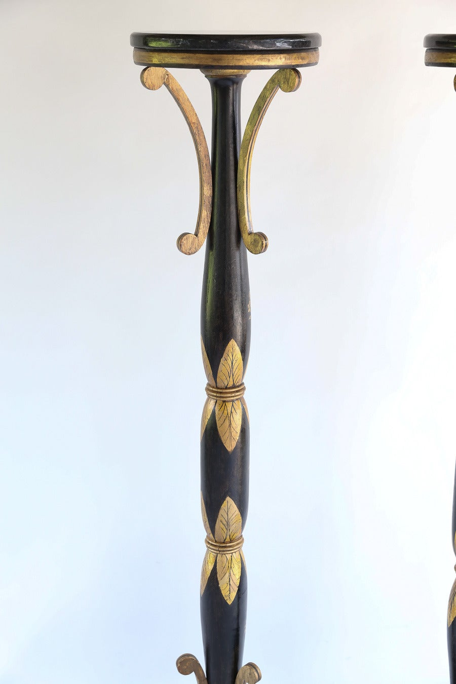 Wood Handsomely Decorated English Regency Torchère For Sale