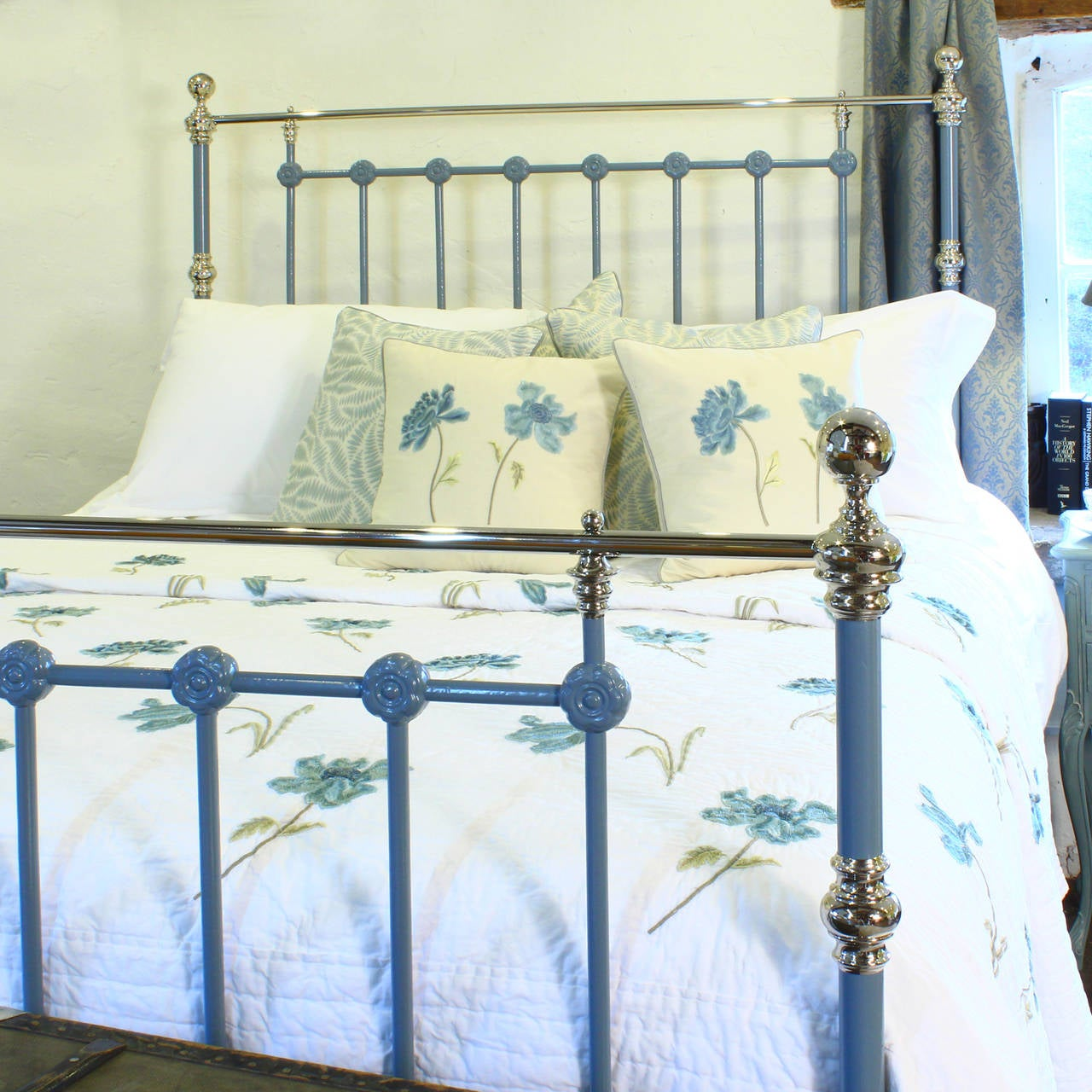 king size brass and iron bed at 1stdibs. Black Bedroom Furniture Sets. Home Design Ideas