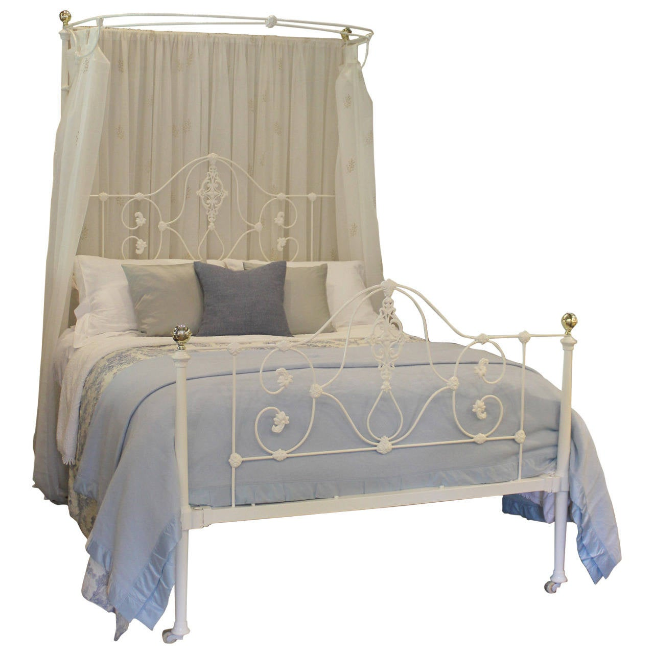 mid victorian cast iron half tester bed mht1 at 1stdibs. Black Bedroom Furniture Sets. Home Design Ideas