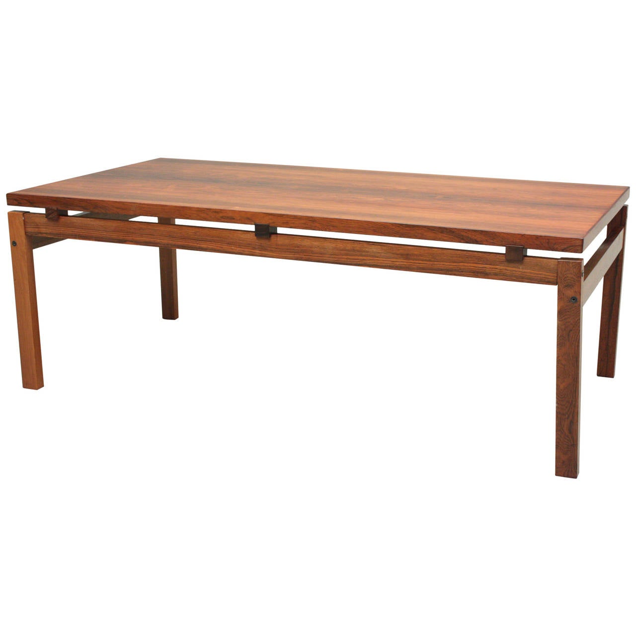 Mid century modern rosewood coffee table at 1stdibs for Mid century modern coffee table