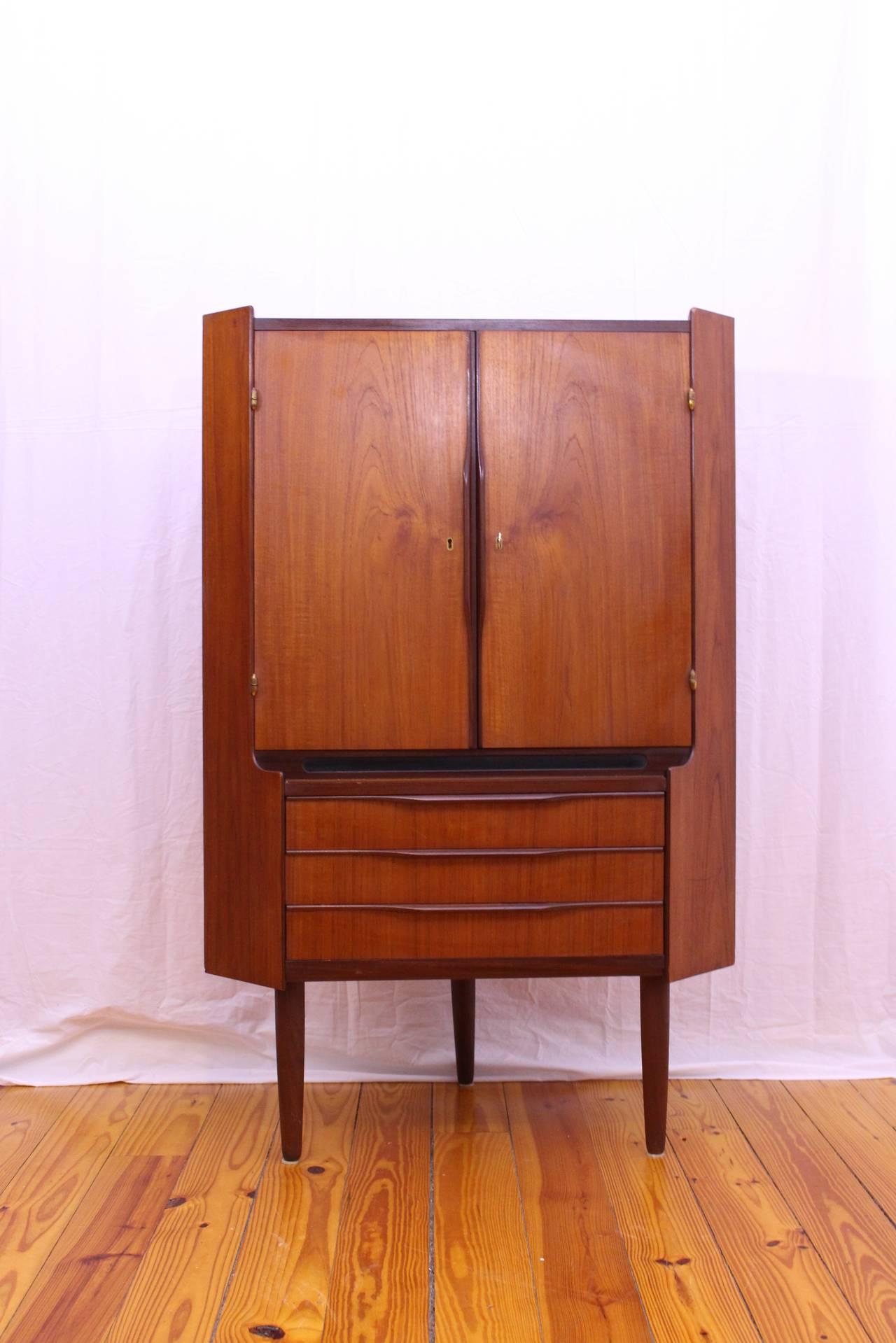 Wonderful Danish, Mid Century Modern Teak Corner Cabinet 3