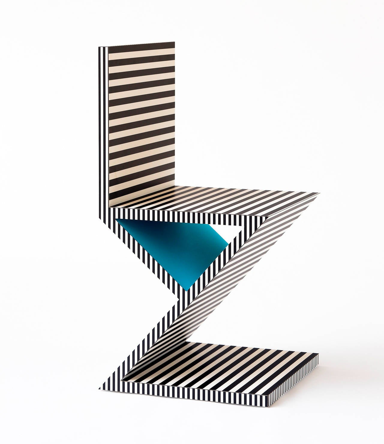 Memphis Inspired Chair, Neo Laminati Collection In Excellent Condition For Sale In New York, NY