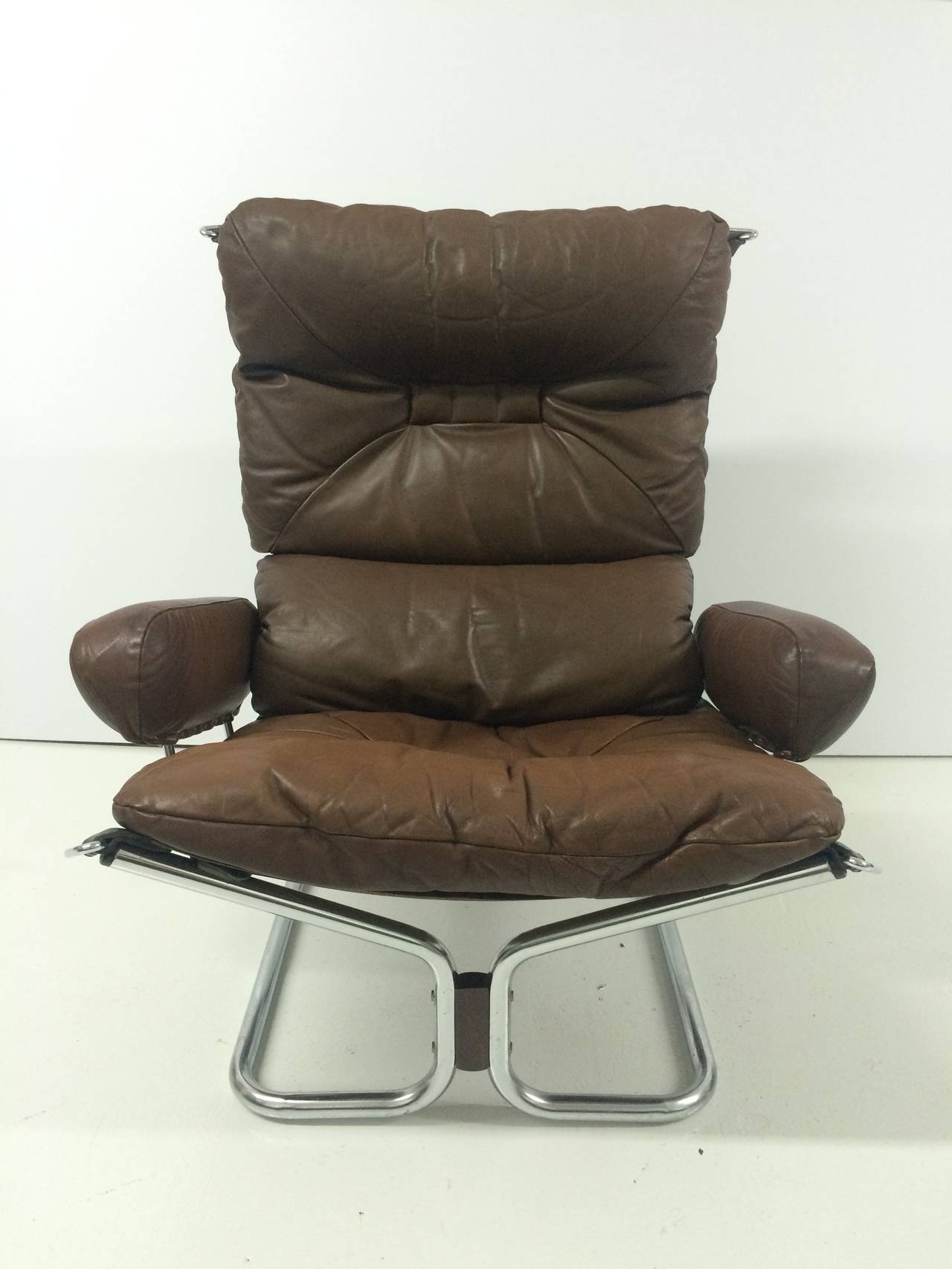 ingmar relling chrome and leather lounge chair and ottoman for