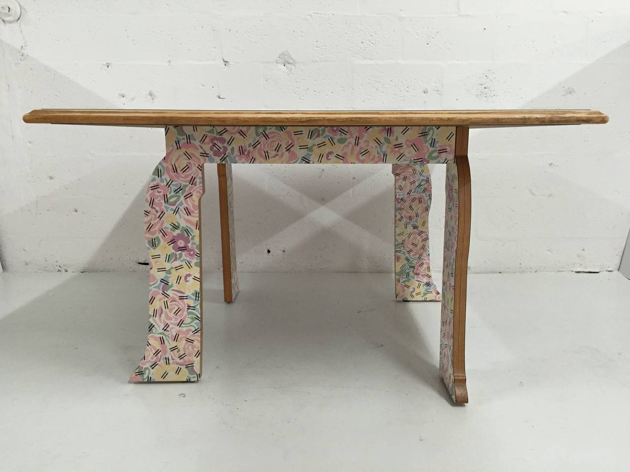 Robert Venturi quotCabriole Legquot Table for Knoll at 1stdibs : IMG1334l from 1stdibs.com size 1280 x 960 jpeg 90kB