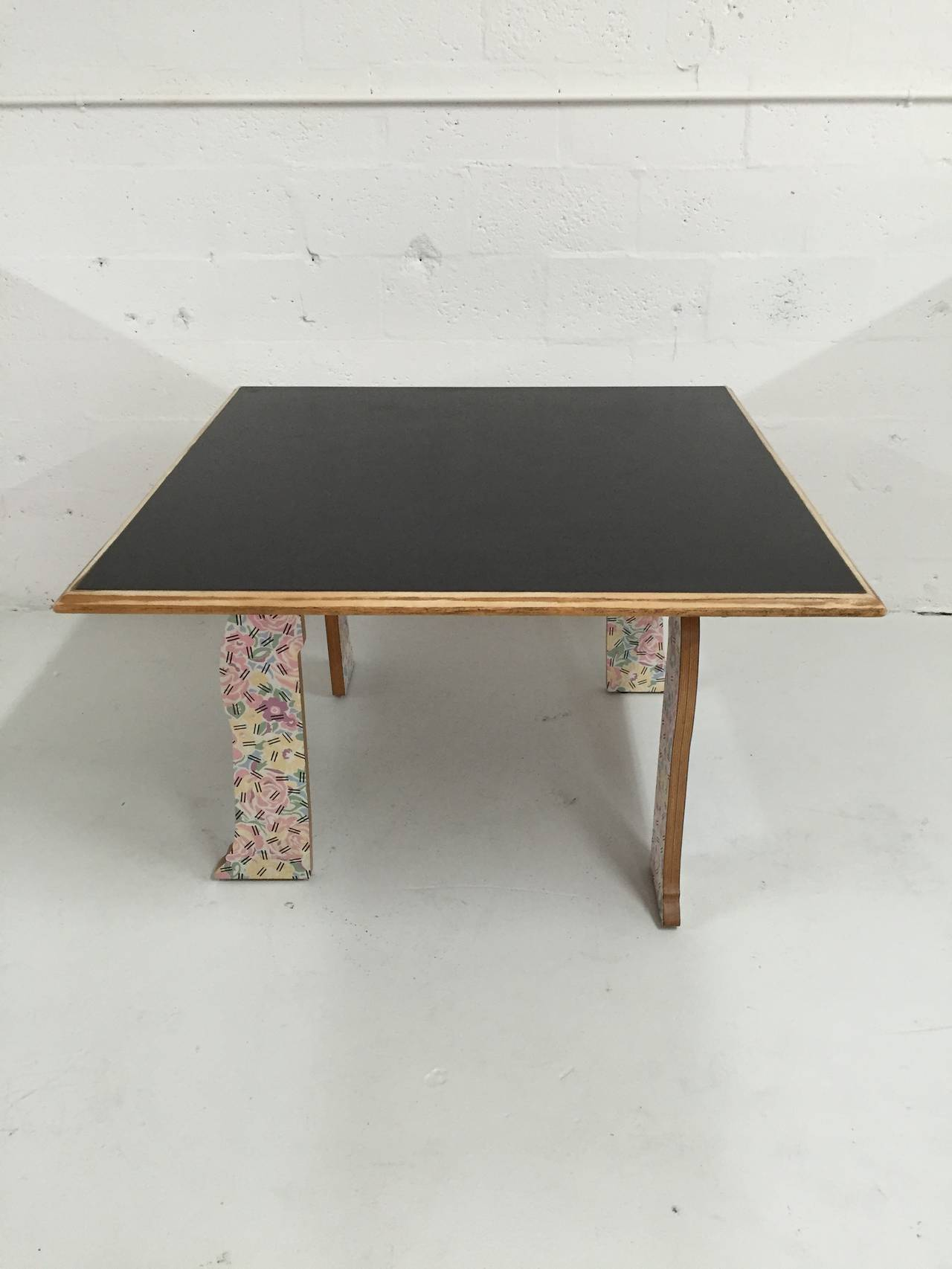 "Robert Venturi ""Cabriole Leg"" Table for Knoll For Sale at 1stdibs"