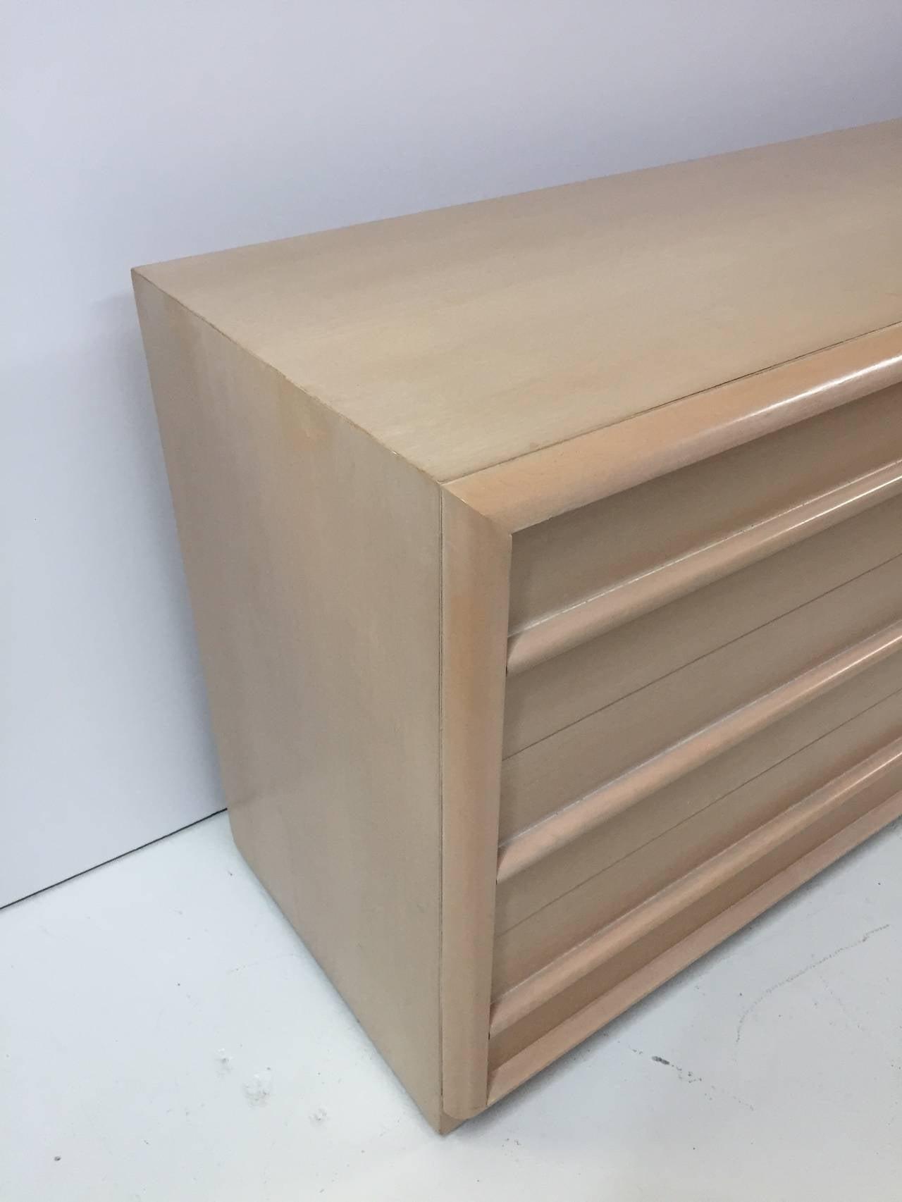 T.H. Robsjohn-Gibbings Dresser for Widdicomb In Good Condition For Sale In Miami Beach, FL