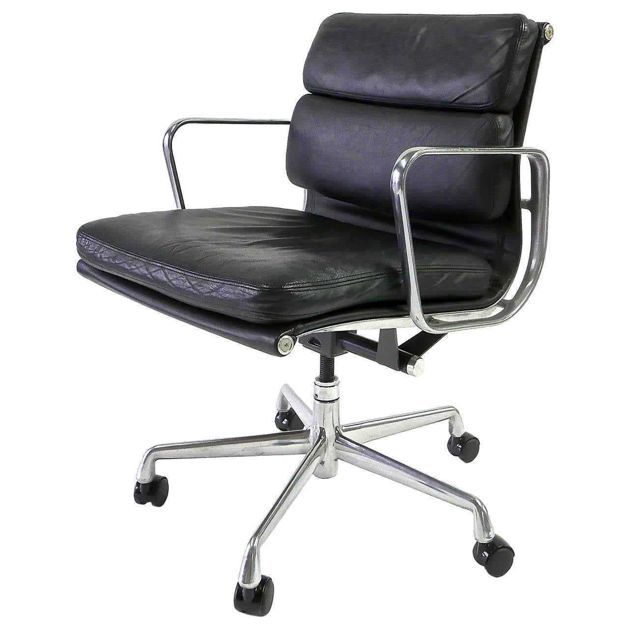 charles and ray eames soft pad chair for herman miller at