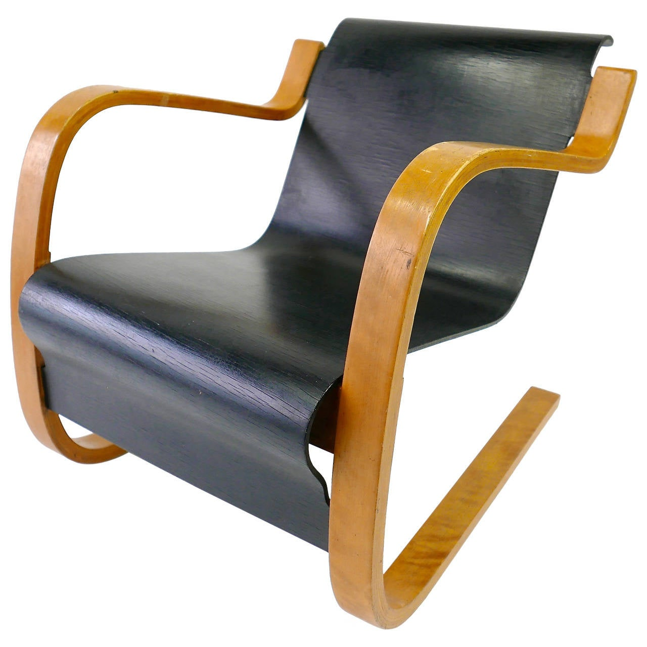 Alvar aalto cantilever lounge chair model 31 42 at 1stdibs for Alvar aalto chaise