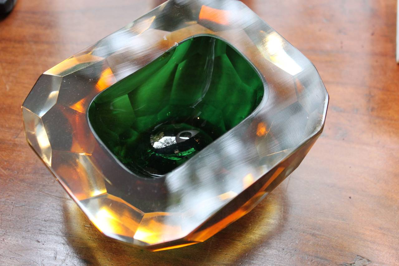 Faceted Crystal Bowl with Emerald Green Color, 20th Century 1
