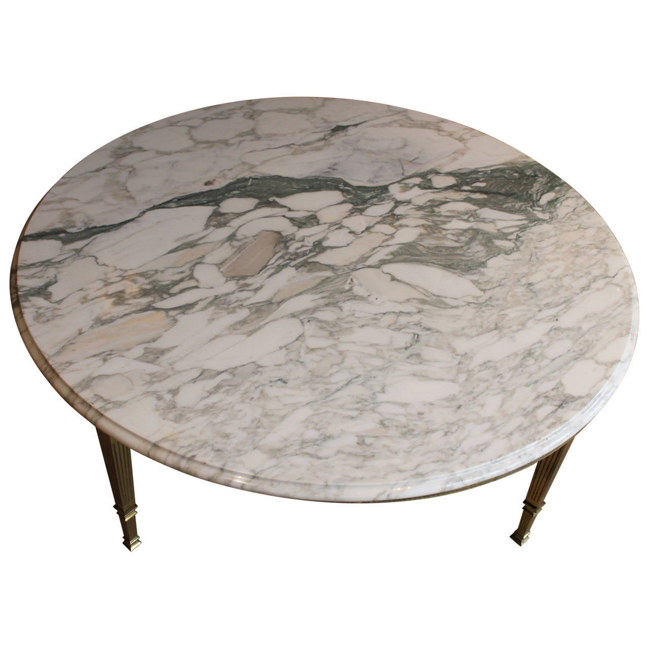 Mid century round white marble and brass coffee or cocktail table at 1stdibs Round marble coffee tables