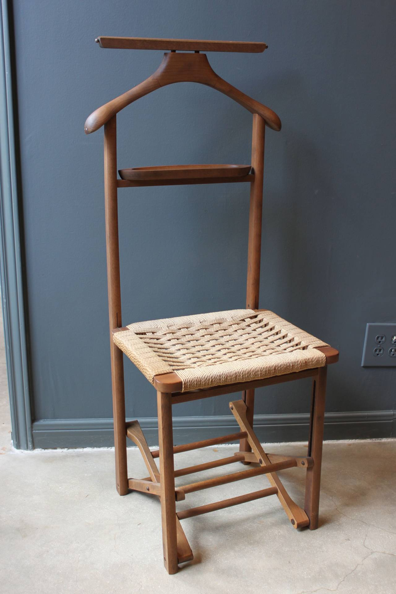 Vintage Wood Valet Folding Chair With Woven Caned Seat Mid 20th Century In Good