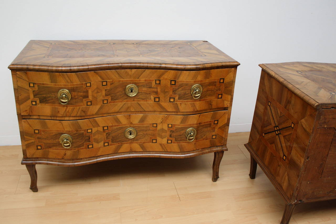 18th century pair of baroque two drawer commode for sale at 1stdibs. Black Bedroom Furniture Sets. Home Design Ideas