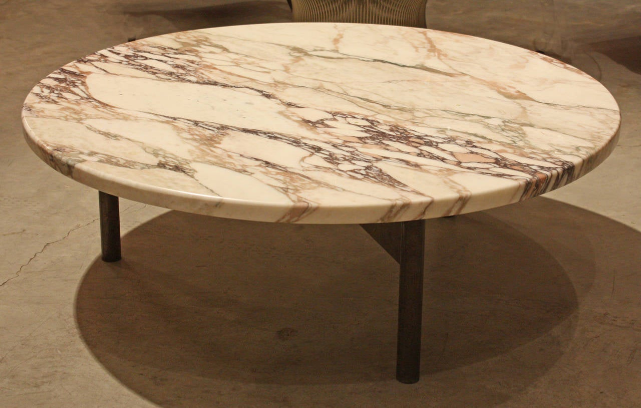 Round Mid-Century Marble Topped Coffee Table at 1stdibs