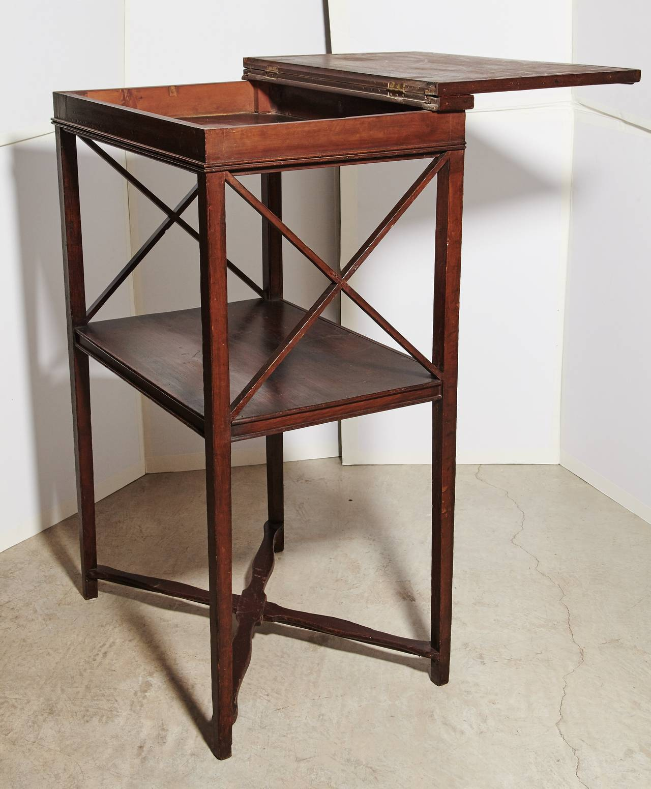 Antique American Standing Desk In Excellent Condition For Dallas Tx