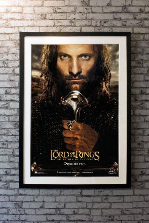 lord of the rings the return of the king film poster 2003 for sale at 1stdibs. Black Bedroom Furniture Sets. Home Design Ideas