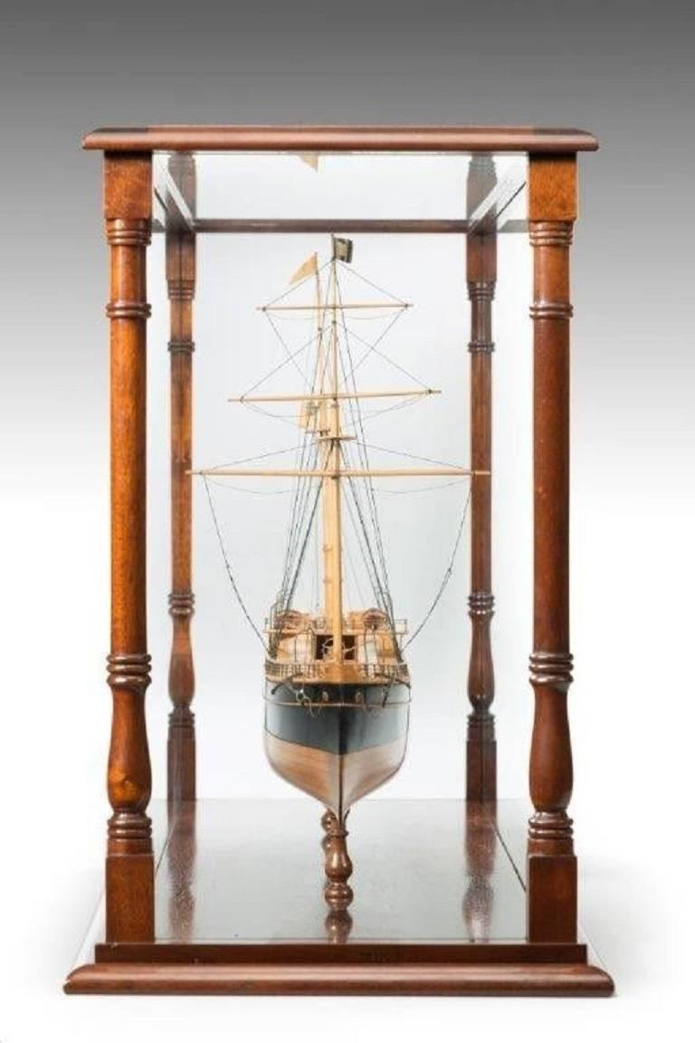 Fine Shipyard Model of a Steamship In Good Condition For Sale In Lymington, Hampshire
