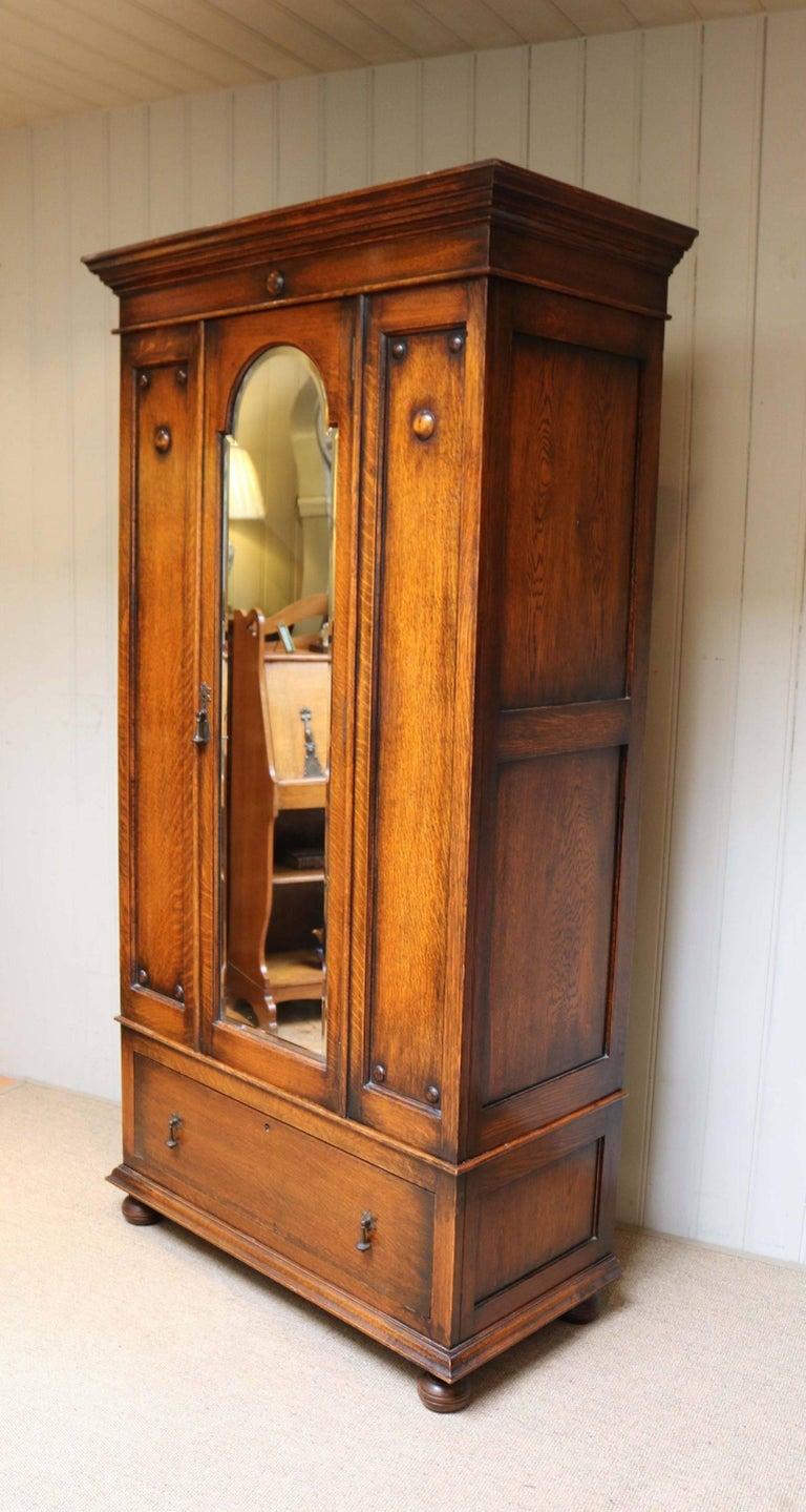 oak single door wardrobe at 1stdibs. Black Bedroom Furniture Sets. Home Design Ideas
