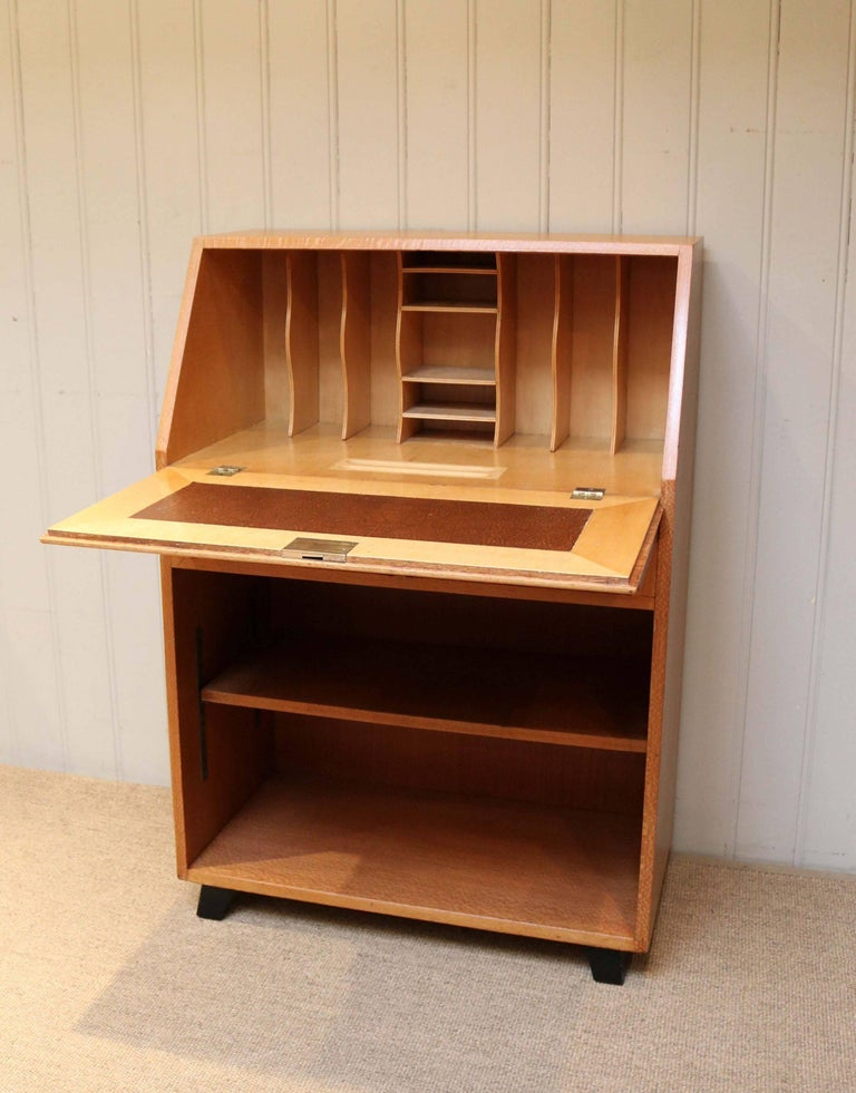 unusual australian silky oak art deco bureau for sale at 1stdibs. Black Bedroom Furniture Sets. Home Design Ideas