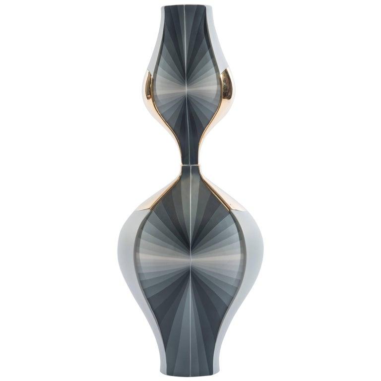 Contemporary Mirroring Gradient Values Porcelain Vessel