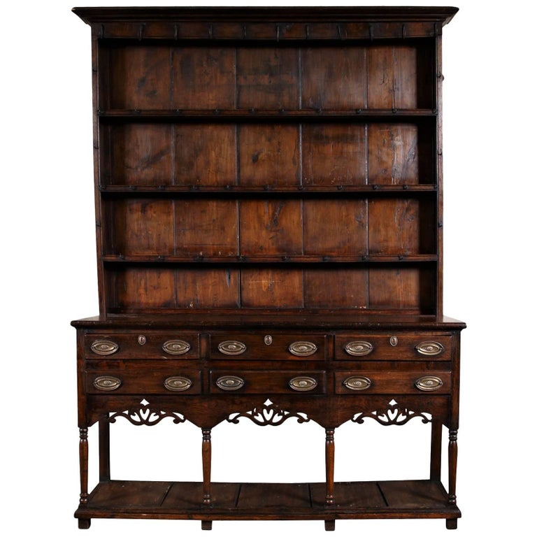 Antique Welsh Cupboard, circa 1750 For Sale