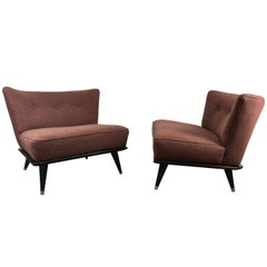 Stunning Pair of Modernist Slipper Chairs in the Manner of Gio Ponti
