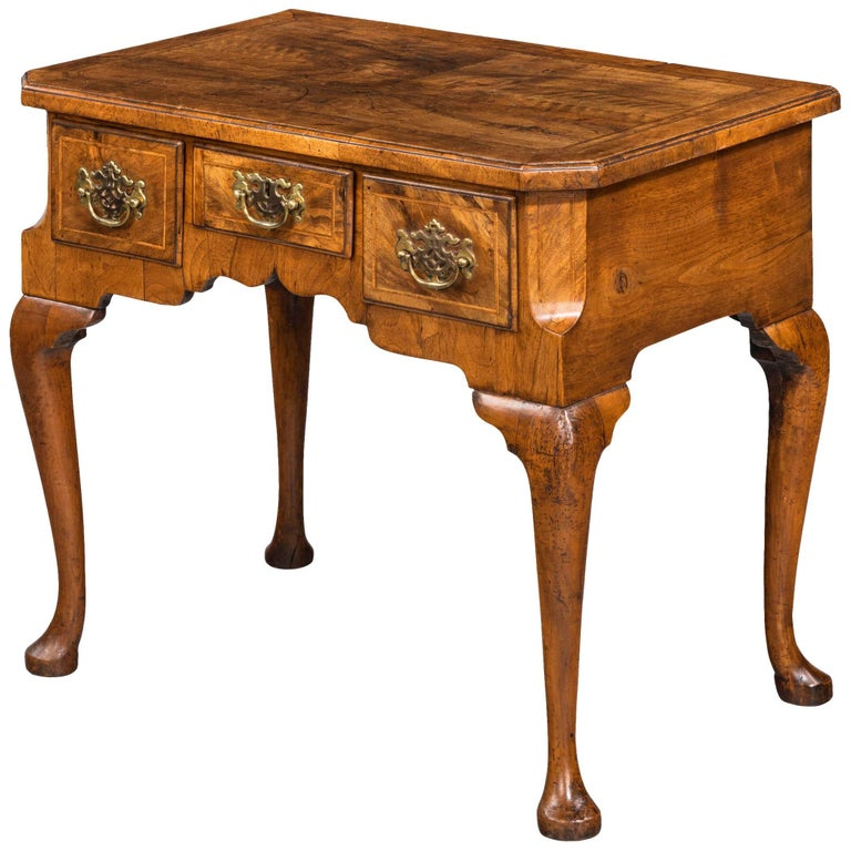 George II Period Walnut Lowboy of Quite Exceptionally Figured Timbers