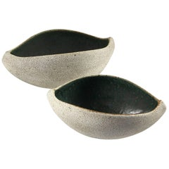 Contemporary Ceramic Set of Two Boat Shaped Bowls No. 172 by Yumiko Kuga
