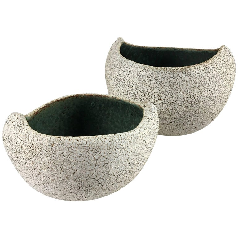 Contemporary Ceramic Set of Two Boat Shaped Bowls No. 173b by Yumiko Kuga For Sale