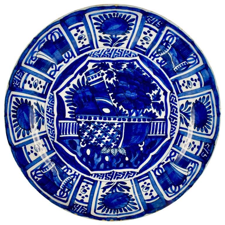 18th Century Dutch Delft Faïence Daisy Floral Cobalt Blue Charger