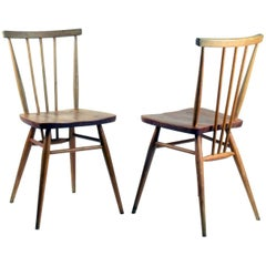 Ercol Chairs, Pair of Classic English Midcentury 'Windsor' Chairs, Model 391