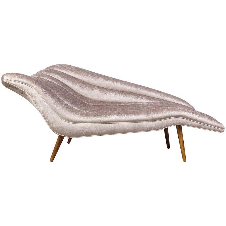 Elegant Grey Chenille Hans Hartl Chaise Longue, Denmark 1950s For Sale