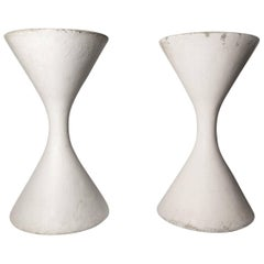 Pair of Oversized Brutalist Diabolo Planters, Willy Guhl for Eternit circa 1950s