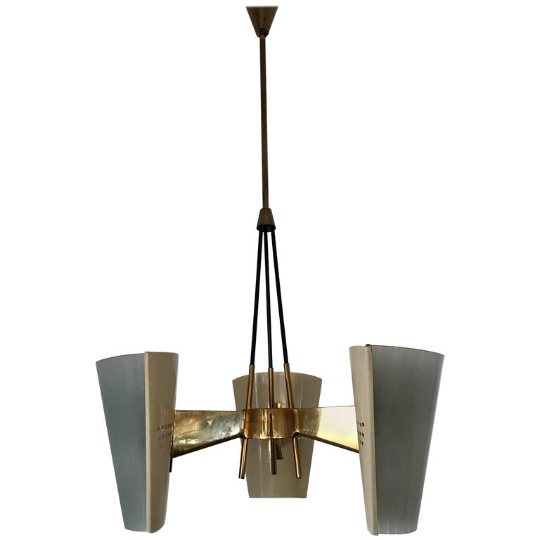 Mid-Century Modern Arredoluce Chandelier in Brass and Glass, Italy, circa 1950