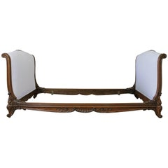 Late 19th Century Carved Walnut Daybed Upholstered in White Belgian Linen