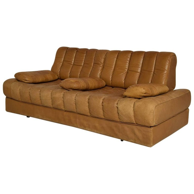 Rare Early Edition De Sede DS 85 Cognac Leather Sofa or Daybed, 1970s For Sale