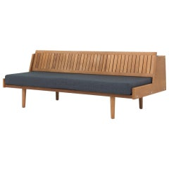 GE 6, Daybed in Oak by Hans J. Wegner Maker GETAMA